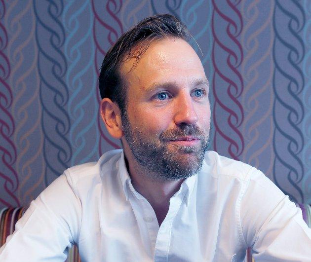 MOT SKOLENEDLEGGELSE: Nils Konrad Bua er engasjert i kampen for å bevare skoler i Sveio.