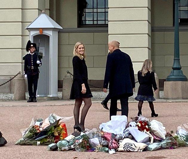 GLAD: Fornøyd på Slottsplassen, Emilie Enger Mehl som nyutnevnt justisminister.