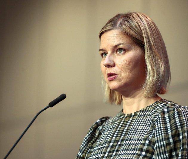 Kunnskapsminister Guri Melby (V) og regjeringen prøvde denne uken å prioritere skole- og barnehageansatte i vaksinekøen. Det var for sent og ble ingen suksess. Tenk om man hadde lært litt av tidligere vaksine-fadeser. Arkivfoto: Jil Yngland/NTB