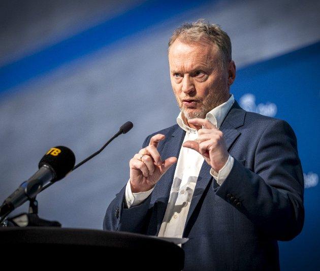 Raymond Johansen (Ap), byrådsleder i Oslo og leder for Oslo-regionen som nå har bedt Stortinget sørge for at Oslo og andre områder med stor smitte, rykker frem i vaksinekøen. Foto: Heiko Junge, NTB