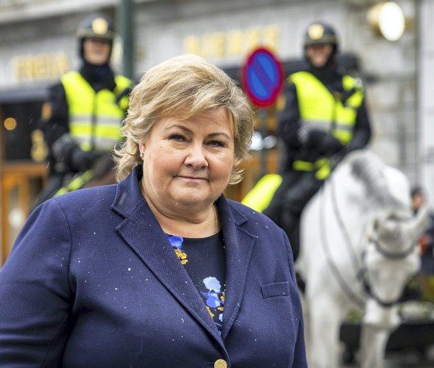 Statsminister Erna Solberg (H) mener at arbeidstakere fra utlandet har reddet distriktene. Vi bør passe på, ellers kan det bli  smått med bærekraft. Vi må ikke ende opp som Kuwait og overlate alt ærlig arbeid til utlendinger. Arkivfoto:   Håkon Mosvold larsen