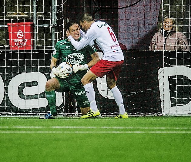 GIGANT: Patrik Karoliussen var kampens gigant da FFK slo Tromsdalen søndag.