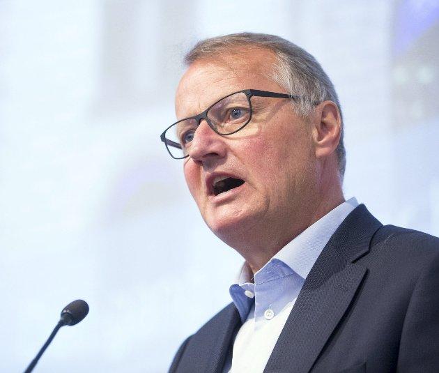 Rune Bjerke og toppsjefer i andre storbanker vil ikke sette ned renten når de selv får lavere rente.