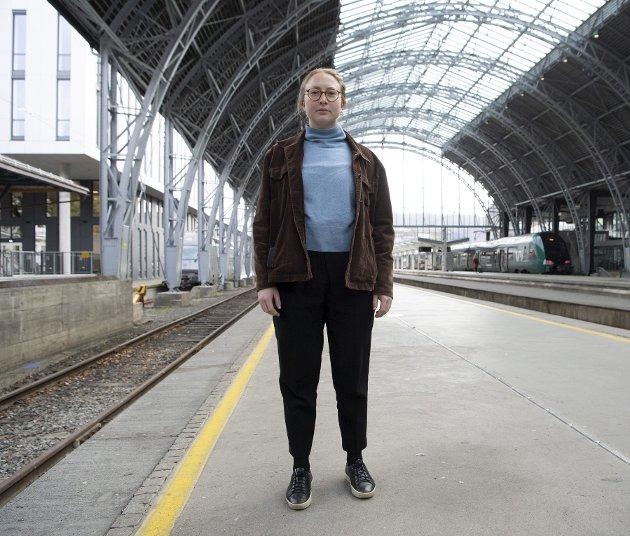 Eline Haakestad (MDG) er vikarierende miljøbyråd. Hun har de siste dagene slitt med å velge mellom korona og luftkvalitet. Sistnevnte overraskende dårlig sett i forhold til langt færre biler på veiene og forbud mot gamle vedovner. arkivfoto: arne ristesund.