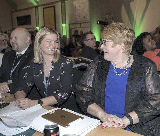 BA mener velgerne bør merke seg partileder Trine Skei Grandes (V) snuoperasjon om å flytte Språkrådet til Bergen. Her med bystyrepolitiker for Venstre og styreleder i Språkrådet Guri Melby.