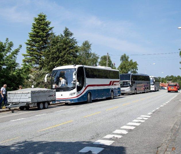 Omfattende kontroller i sommer har avslørt mange lovbrudd blant utenlandske turbusser. Det hjelper lite så lenge sosial dumping og andre lovbrudd ikke medfører sanksjoner. ILLUSTRASJONSFOTO: Eirik Hagesæter