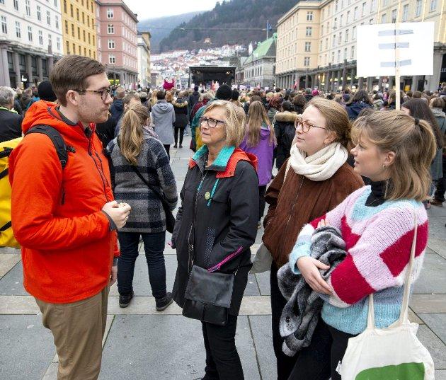 Thor Haakon Bakke (fra venstre), Mona Høgli, Eline Haakestad og Josefine Gjerde er kampklar. Bakke er til vanlig standhaftig miljøbyråd, men nå vikarierer rivjernet Haakestad. De mange Mdg-sakene synes ikke å møte motforestillinger i byrådet. Arkivfoto: Anders Kjølen