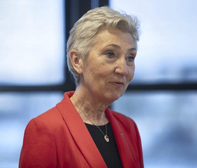 LO-leder Peggy Hessen Følsvik vil oppleve svært stor streikevilje om NHO ikke har vett til å unngå konflikt i siste liten. Om det blir streik fra søndag morgen vil folk flest ha stor sympati for arbeidstakerne.foto: Berit roald, ntb