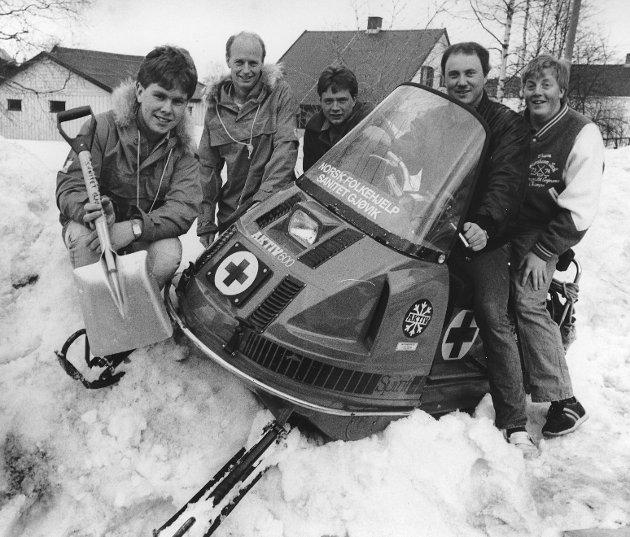 Påskeberedskap på Osbakken. Håvar Åseng, Gunnar Kyseth, Kjetil Holand, Inge Skjellaug og Kjell Arild Strandvik i Norsk folkehjelp, Gjøvik i 1987