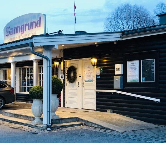Sanngrund ligger helt inntil E16 rett over kommunegrensa til Nes, og har i årtier vært kjent for å lage god mat. Foto: C&H