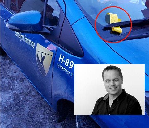 Vi kan ikke la dette problemet være opptil parkeringsvaktene og hjemmehjelpere - begge parter gjør bare jobben sin, skriver ansvarlig redaktør Steinar Ulrichsen i denne lederen.