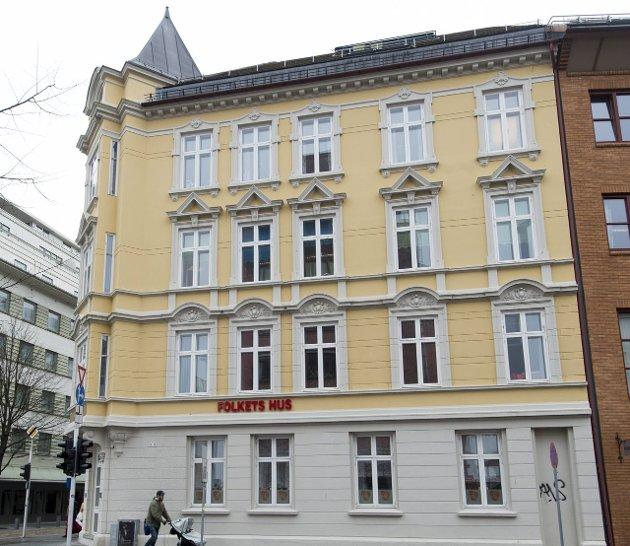 SKAL SELGES: Håkonsgaten 3-5, bedre kjent som Folkets Hus. ARKIVFOTO: RUNE JOHANSEN