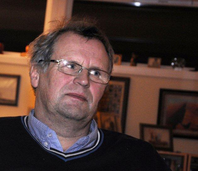 VEIVISER: Kampen Bjørnar Bruer tok har gitt motivasjon til andre ansatte i Finnmark fylkeskommune til å kjempe for sine rettigheter. Denne uka har både tidligere og nåværende ansatte ved Vadsø videregående skole fortalt om sine opplevelser.