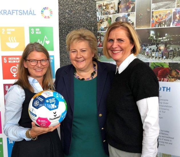 Ordfører Lene Conradi, statsminister Erna Solberg og varaordfører Monica Vee Bratlie.