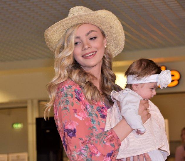 MEST OPPMERKSOMHET: Fikk Bettina Holth Kristiansen og hennes baby Milea Mathea Holth Myrvang.