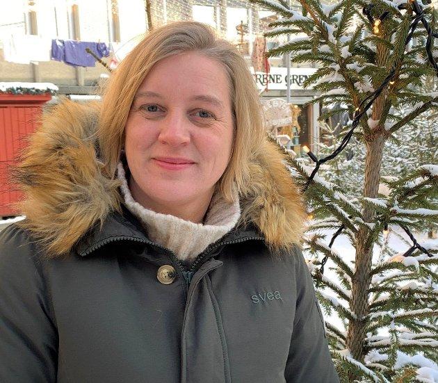 BEHOV: - Akkurat nå venter 20 barn i Innlandet på et nytt og trygt hjem. Disse barna har ventet lenger enn 6 uker, og de venter på det hjemmet alle snakker om i disse dager, skriver Solveig Morten Buraas i Fosterhjemstjenesten.