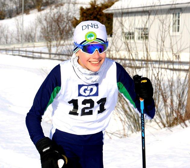 En smilende Odin Røstad (11) fra Søre Ål, koste seg i Rudsbygdrennet.