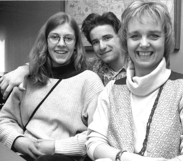 1993: Marita Kjørven 8til venstre), Christoffer Bjørgeengen og Monica Holter.
