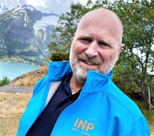 Våre politikere er valgt av befolkningen til å styre, da må det kunne forventes at de klarer å følge opp de vedtak som er fattet, skriver Finn Arne Follestad, fylkesleder Møre og Romsdal Industri og Næringspartiet.