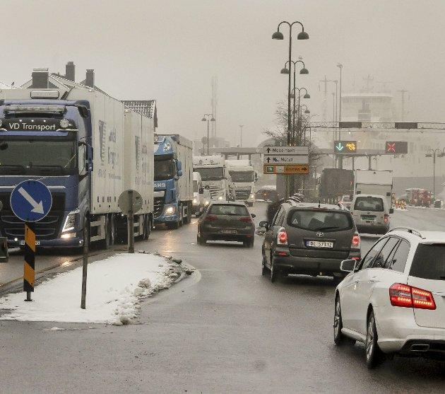 En stenging av Fjordveien vil medføre av trafikkaos og vanskelig fremkommelighet for innbyggerne i Moss, frykter Morten Dag Nilsen.