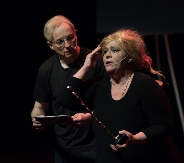 Spiller på gamle kunster: Liv Ullmann er en av karakterene Rigmor Galtung imiterer på scenen. FOTO: VIDAR SANDNES