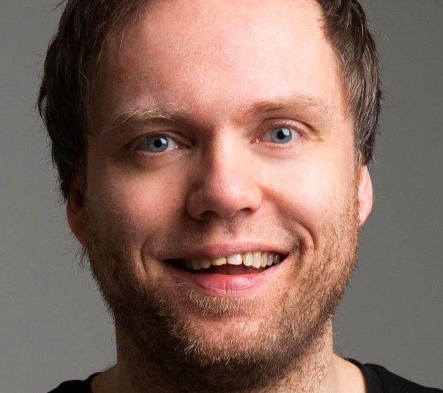 TALER: Rune Bjerga foreslår blant annet at det er lov å holde 17. mai-taler, men ingen har lov å høre på.