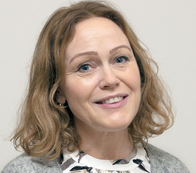 I omstillingen av helse- og velferdsetaten i Levanger kommune trengs det sterkere politisk styring. Ordføreren må involvere kommunestyret tettere i arbeidet, skriver Astrid Juberg Vordal og Tone Wanderås, leder i Levanger Arbeiderparti.