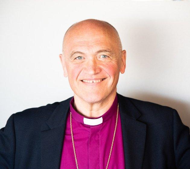 GI HÅP: Det er kirkens oppgave å rope ut at lyset skinner i mørket, og at intet sted på jorden er gudsforlatt, skriver biskop Jan Otto Myrseth