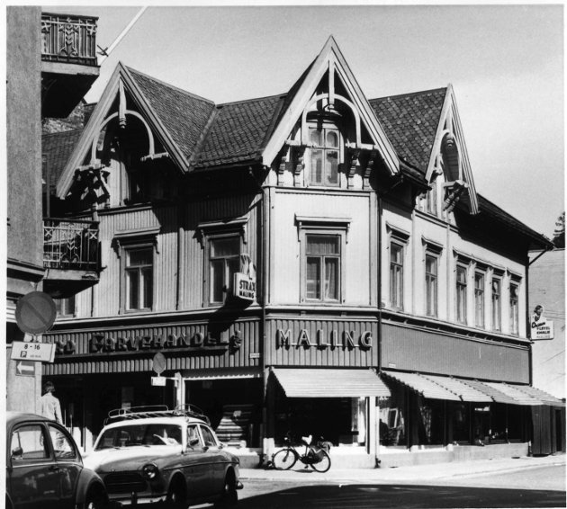 13. mai 1978:      Sandefjord Farvehandel på hjørnet mellom Storgaten og Rådhusgaten.
