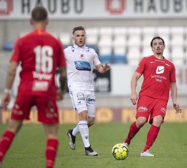 Vegard Forren (t.h.) var god i en omgang, men burde uansett aldri startet mot Haugesund, skriver Mathias Macody Lund. Foto: Arne Ristesund