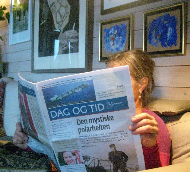 - Nå leser jeg journalistikk, dagligspråket, og jeg leser det på en annen og mer uanstrengt måte enn jeg leser mitt eget, bokmålet, skriver Gunnar Tore Larsen.