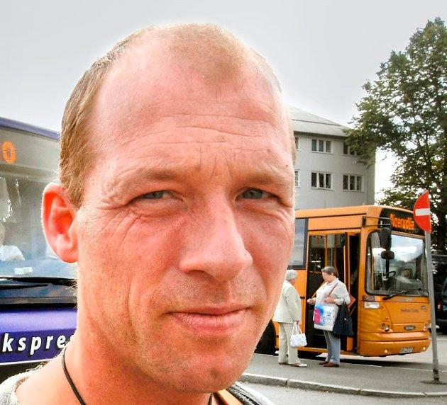 DYRT: Kai Glomsaas reagerer på prisnivået på dødsannonser.