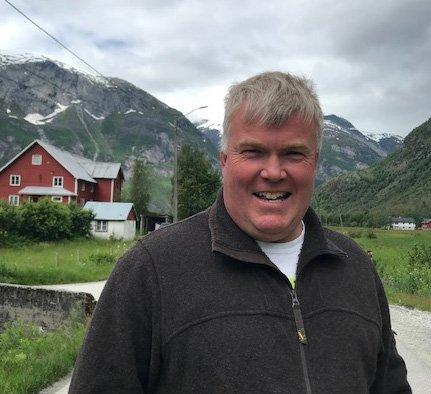 Lustraordførar Ivar Kvalen meiner det er avgjerande at partifellen Aleksander Øren Heen kjem inn på Stortinget.