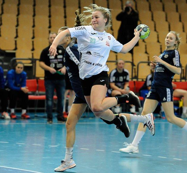 Nora Thulin scoret to kontringsmål for HHK i Nadderud Arena.