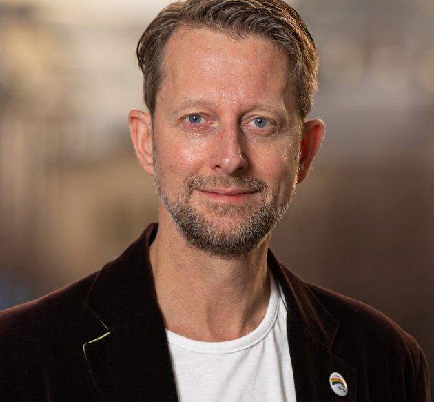 Transpersoner er hele mennesker og har den samme rett til respekt som ethvert annet individ. Det er ikke identitetspolitikk, skriver Helge Ytterøy L'orange, leder i Åpne Høyre.