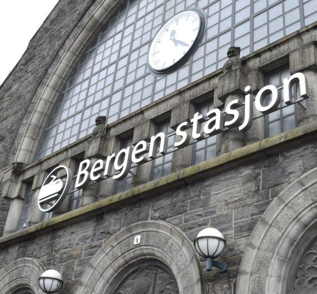 Vi forstår jo at det er en togstasjon, summer Bjørn H. i navnedebatten rundt jernbanestasjonen i Bergen.