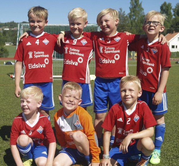 Lensbygda G 7: (b,v) Iver Skinstad, Kasper Stenersen, Antoni Szymanski, Herman Stenberg. (f,v) David Johan, Tobias Gaarder, David Bekk.