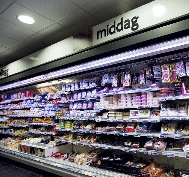 Det finnes flere grunner til at dagligvarene blir dyrere. Men hvis norske matvarepriser begynner å stige sammen med fortjenesten hos de tre gjenværende aktørene, bør det vurderes å bryte opp matvarekjedene.