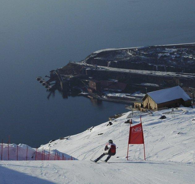 Spektakulære bildeR: Et VM i alpint i Narvik vil kunne gi spektakulære TV-bilder. Her fra sist det var NM i Narvik. Foto: Kjell G Karlsen