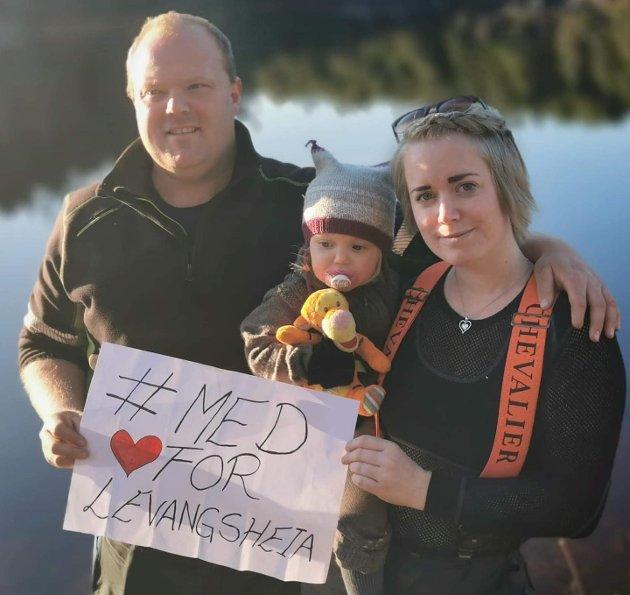 Tor Andre Haslum og Helena Vefald sammen med sin datter Mie Emilie.