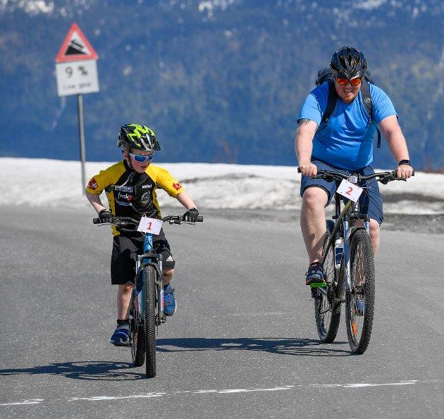 Sykkelfest på Korgfjellet i regi av Korgen sommerfestival. Korgfjellet opp,  «et uhøytidelig sykkelritt for proffe og amatører».