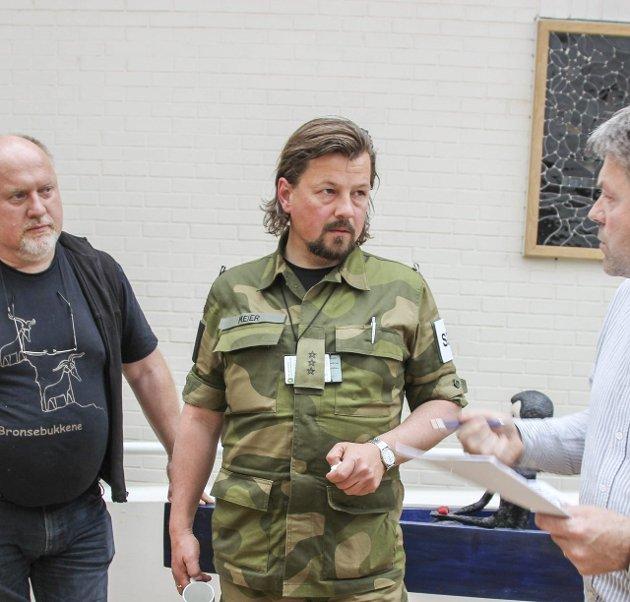 IKKE KOSTYME: – Uniform - ikke klovnedrakt! Rune Meier svarer på leserbrev fra Trygve Brandrud, Lunner Senterparti. Arkivfoto: Atle Nielsen