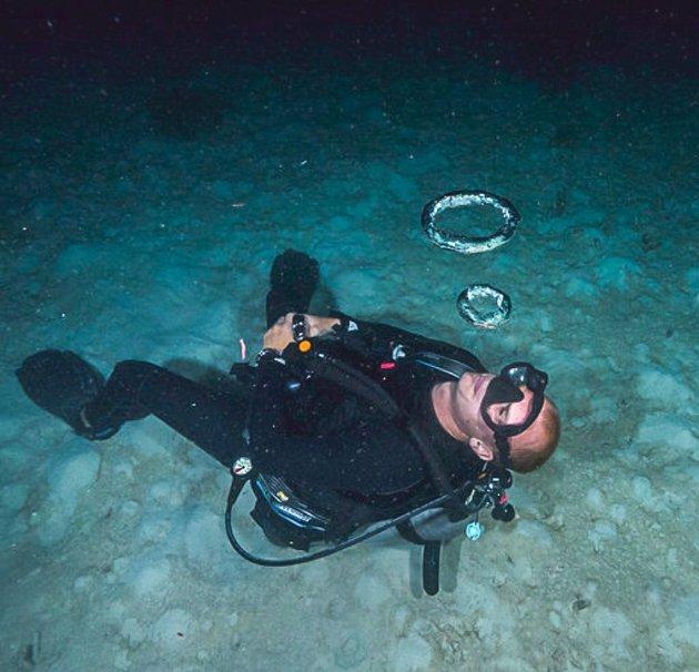 I to år har Sebastian Fredstad fra Askim bodd i Australia. Det siste halve året har han jobbet som dykkeinstruktør.
