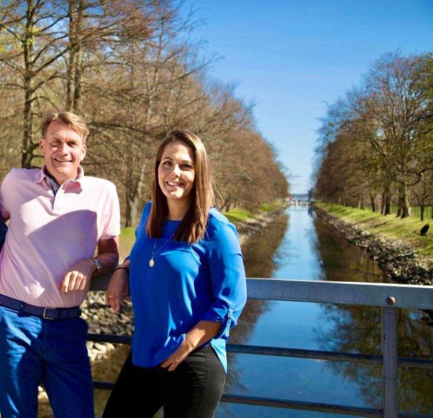 PERSPEKTIV: Høyres stortingsrepresentanter Kårstein Eidem Lovaas og Lene Westgaard-Halle henvender seg til lokal ungdom.