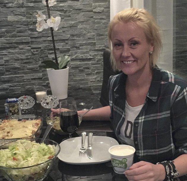 «Matvrak»: Fjellklatrer Une Pretsholt betegner seg som et matvrak. Siden hun trener så hardt før Mount Everest-ekspedisjonen, sliter hun med å gå opp i vekt, noe hun gjerne skulle ha gjort.FOTO: PRIVAT