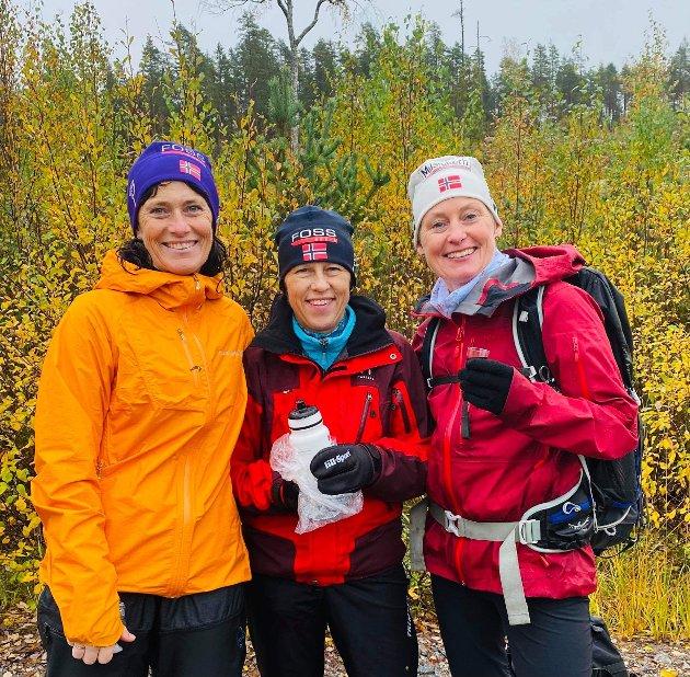 TOPP HUMØR: Turid Dahlum Nilsen, Randi Dalheim og Mona Øversveen.