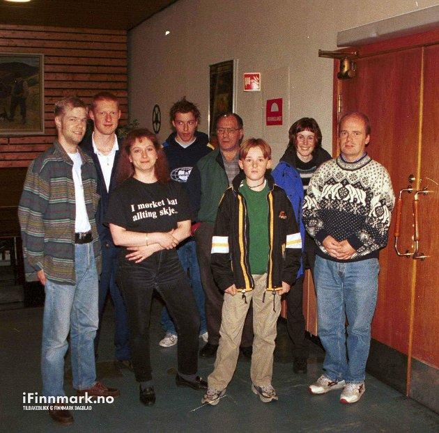 HAMMERFEST: Hammerfest kino  Star Wars. Frode Småvik, kinosjef Elin Albrigtsen, Morten Grunni, Sten Frode Olsen, Ulf Eldor Hansen, Thomas Olsen, Egil Hansen og Laila Haugland Småvik.