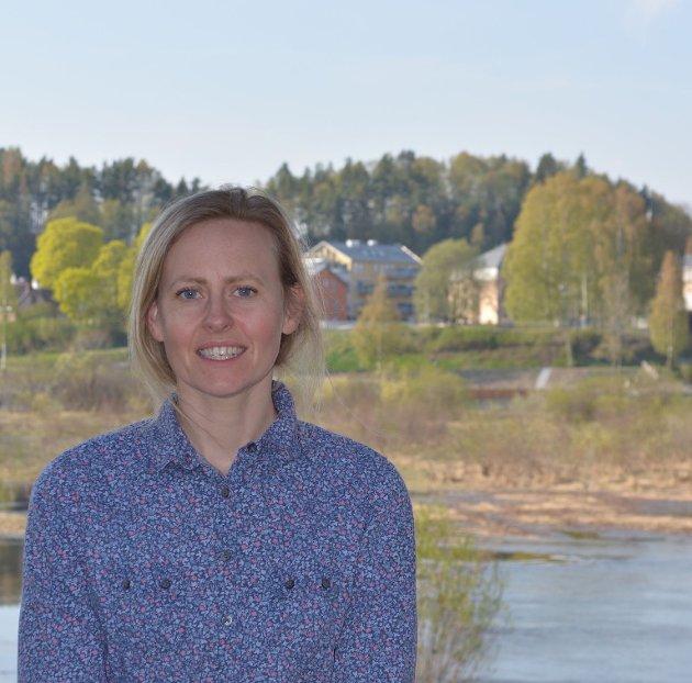BURDE FEIRET: Nina Basberg, kommunestyrerepresentant for Sp, synes Ringerikes første kvinnelige ordfører burde vært markert på et høytidelig vis.
