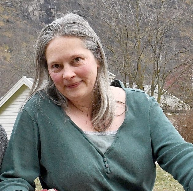 NY BRUK: Bygdeheimen i Fresvik har i ettertid for det meste stått tom, sjølv om Vik kommune har betalt husleige til den private stiftinga som eig bygget heilt til no., skriv Marianne Bøthun.