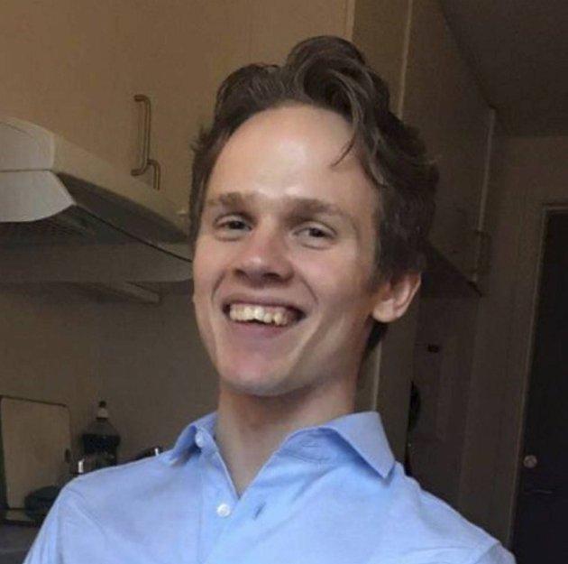 Økonomistudent Frode Osen etterlyser mer undervisning i personlig økonomi – både på videregående, høyskoler og på universitetet.